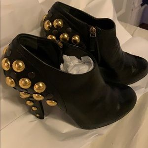 GUCCI ANKLE STUDDED HEEL BOOTIES 37 1:2